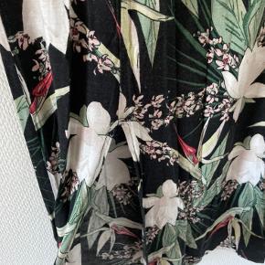Super blød nederdel med slids