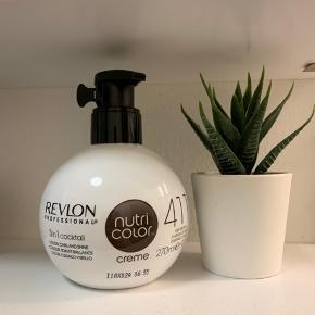 Revlon 411 nutri color. Fejlkøb. Kun brugt et pump af den for at teste på en hårlok, men farven passer mig ikke. Revlon 411 er i farven askebrun.  #revlon #revlonnutricolor #hårfarve #nutricolor #411