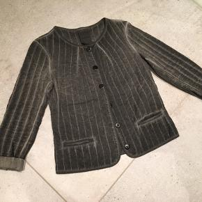 AJ117 Project cardigan