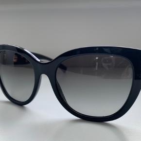 Købt i London i 2017 ALDRIG BRUGT Original Brille etui samt brilleklud medfører