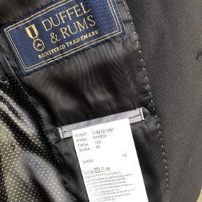 NP:1500 Kr: Duffel og Rums blazer brugt en gang til konfirmation. Er som ny. BYTTER IKKE. Porto. 37 Kr