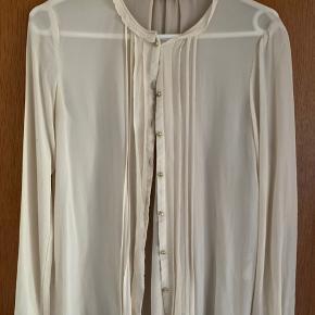 Fineste skjorte i 100% silke. Bud fra 350pp