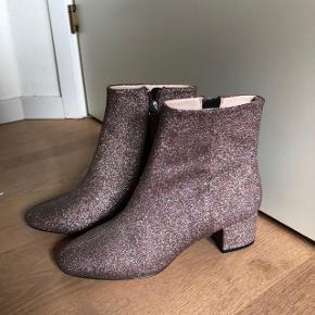 MEGA COOL glimmerstøvler fra H&M!! Str 38, aldrig brugt