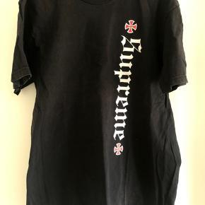 Supreme Old english t shirt, str M Brugt meget få gange