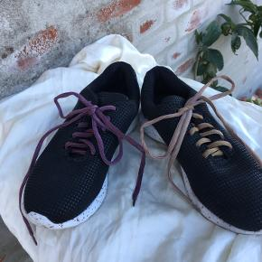 Oill sneakers