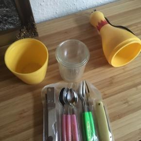 Retro picnic kit - fast pris -køb 4 annoncer og den billigste er gratis - kan afhentes på Mimersgade 111 - sender gerne hvis du betaler Porto - mødes ikke andre steder - bytter ikke