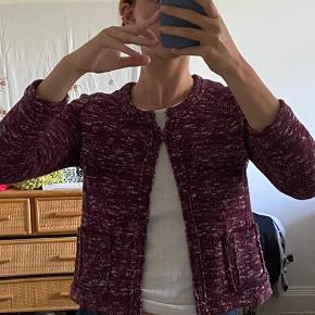 isabel marant etoile jakke i smukke farver. det er en fransk 38, så svarer nærmere til en 34/36 :)) spørg for flere billeder eller andet