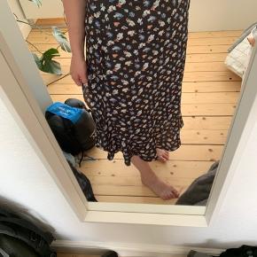 Smuk nederdel. Brugt få gange 😊