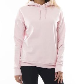 """super flot hoodie i baby pink broderet """"break the rules"""" bagpå fitter også str medium jeg bytter ikke nypris 1100/1200"""