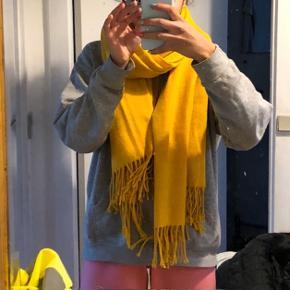 Gult tørklæde fra vero moda  #30dayssellout