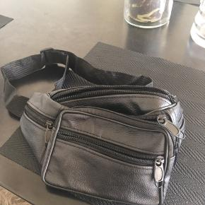 Bæltetaske med 5 rum
