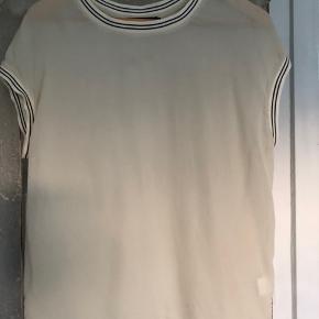 Beige/råhvid silketop - som ny