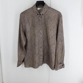 Rodier Paris vintage skjorte. Har en lille skade bagpå. Se billede