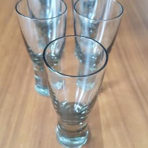 Syv snapseglas fra Holmegaard, 8,5 cm høje. Per Lütkens Canada Smoke. Sælges samlet. Pris 150,-