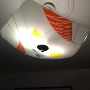 Super flot retro glas loftlampe fra 1960 /70er. 5 kantet diameter Ca. 50 cm. Kan afhentes i Århus N. /Trøjborg
