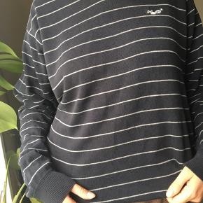H2O sweater  150kr Køber betaler fragt