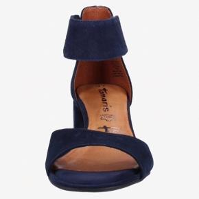 Super fine sandaler helt nye.  Fik desværre købt dem for små