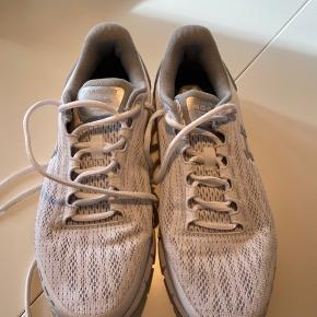 ♻️brugt 2 gange♻️ 🔴Neutal løbe/fitness sko