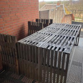 Trællle havesæt.  Bord: 220x100 cm 1 bænk 220x50 cm.  2 skamler