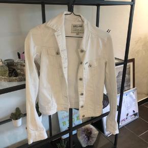 Mega flot hvid cowboy jakke