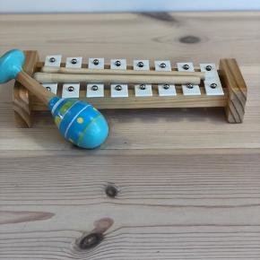 Træ xylofon og rangle  BYD :)
