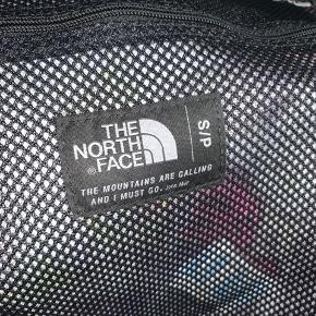 The North Face Duffelbag, størrelse S. Brugt i alt 4 gange