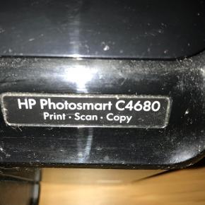Kopi maskine. Virker fint. Mgl. patroner.  + printer.