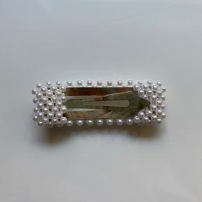Fint perle clips. Aldrig brugt.