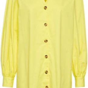 Super flot gul skjorte/tunika/kjole