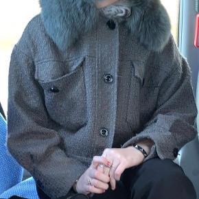 Sælger denne meotine jakke i str. s/m. BYD