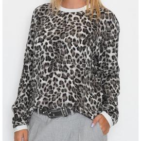Varetype: Bluse Farve: Ukendt Oprindelig købspris: 499 kr. Prisen angivet er inklusiv forsendelse.  Brugt en gang