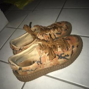 Så fede Sneakers - brugt, men i fin stand ✨