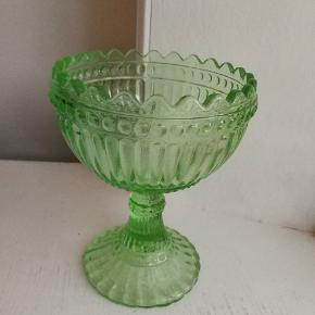 Lille opsats fra ittala Marimekko i grønt glas