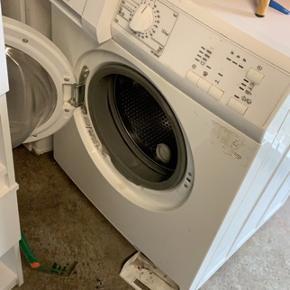 Ældre vaskemaskine som Intet fejler