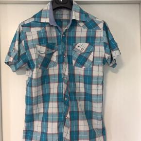 Tommy Hilfiger skjorte brugt få gange