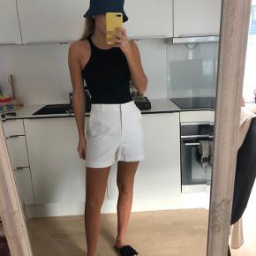 Helt nye shorts fra Zara, stadig med prismærke✌🏼