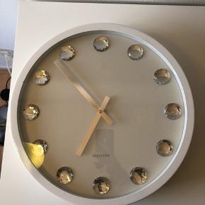 Superflot ur fra Karlsson, se billeder for mål. Kan sendes med DAO eller afhentes i Rødovre 😊