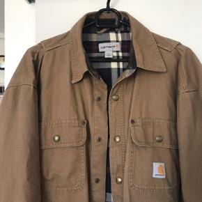 Lækker Carhartt jakke i str. Medium.