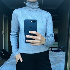 Højhalset bluse/ rullekrave bluse, str. S