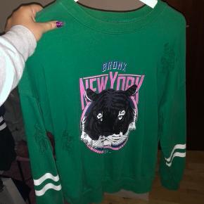 Bluse fra gina tricot  Str m  BYD