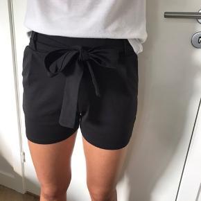 Shorts  Str xs