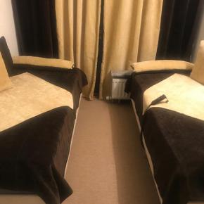2 elevation senge i fin stand.