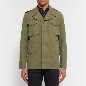 Sandro Paris classic military jacket. Size M fits true to size. Great condition.  Oprindelig købspris: 4000 kr.