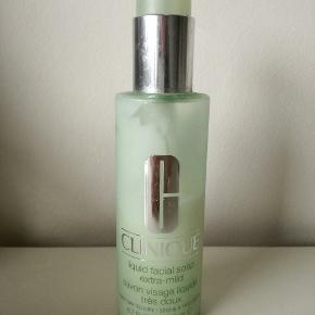 Clinique liquid facial soap extra mild. Ca brugt halvdelen