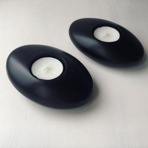 Fineste stearinlys stager. Ligner sorte sten og super flotte til badeværelset.  Byd gerne og tjek mine andre annoncer 🌟