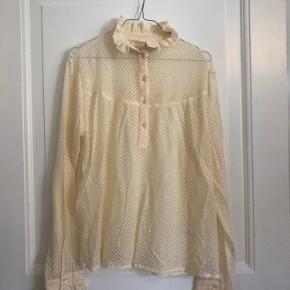 Fineste blonde skjorte fra lollys laundry. Aldrig brugt