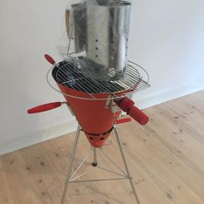 Orange Bodum grill med grillstarter og riste.Aldrig brugt Nypris 2000 kr. Afhentes i Århus C