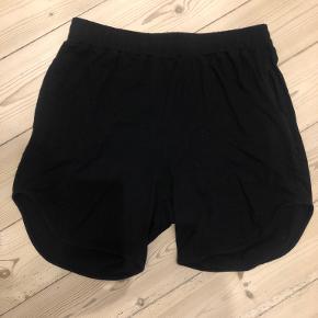 Moshi Moshi Mind shorts