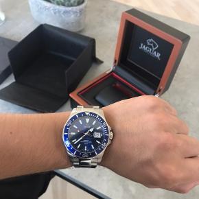 Jaguar ur. Brugt meget lidt, stand 9-10. Stort set nyt! Fuld sæt 😇