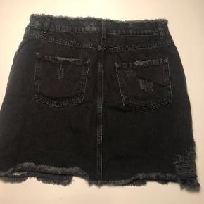 Nederdel fra NAKD. Er aldrig brugt!